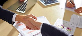 契約書や利用規約を整備し、クレームに強い会社を作ることができる